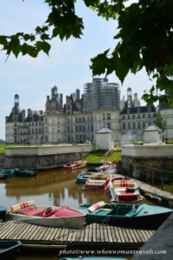 rent-a-boat at Chambord Castle