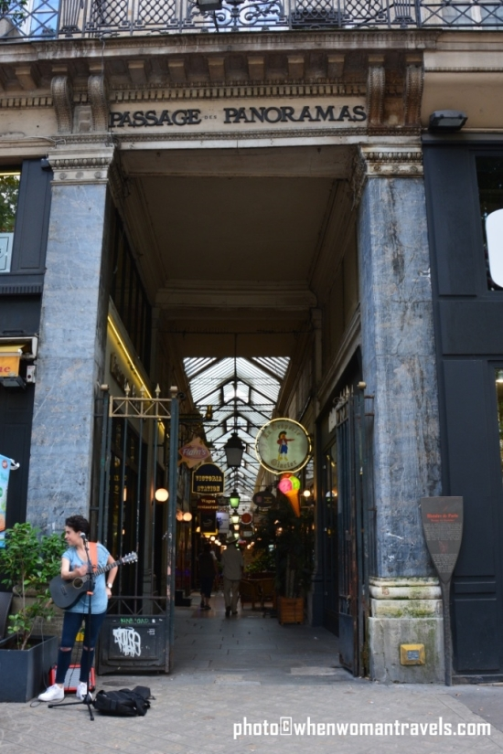 Passage_des_Panoramas_Paris_entrance