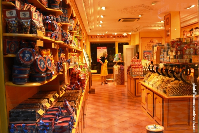 Passage_jouffroy_sweet_shop