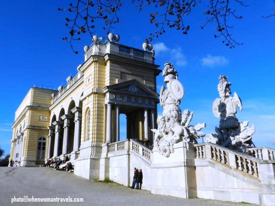 Schonbrunn_palace_history_architecture
