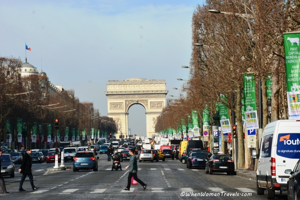 Champ-Elysees_Arc_de_Triomphe_photos